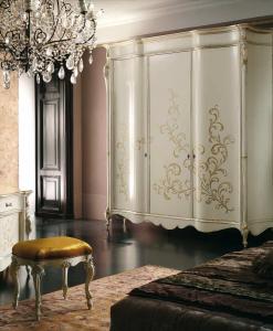 Mobili in stile Barocco e Intagliati