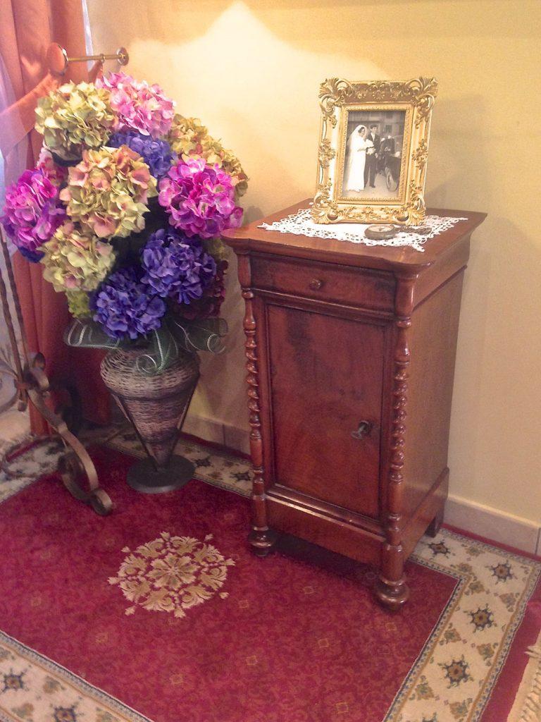 La nostra storia antiquariato e mobili in stile for La casa di stile dell artigiano progetta una storia