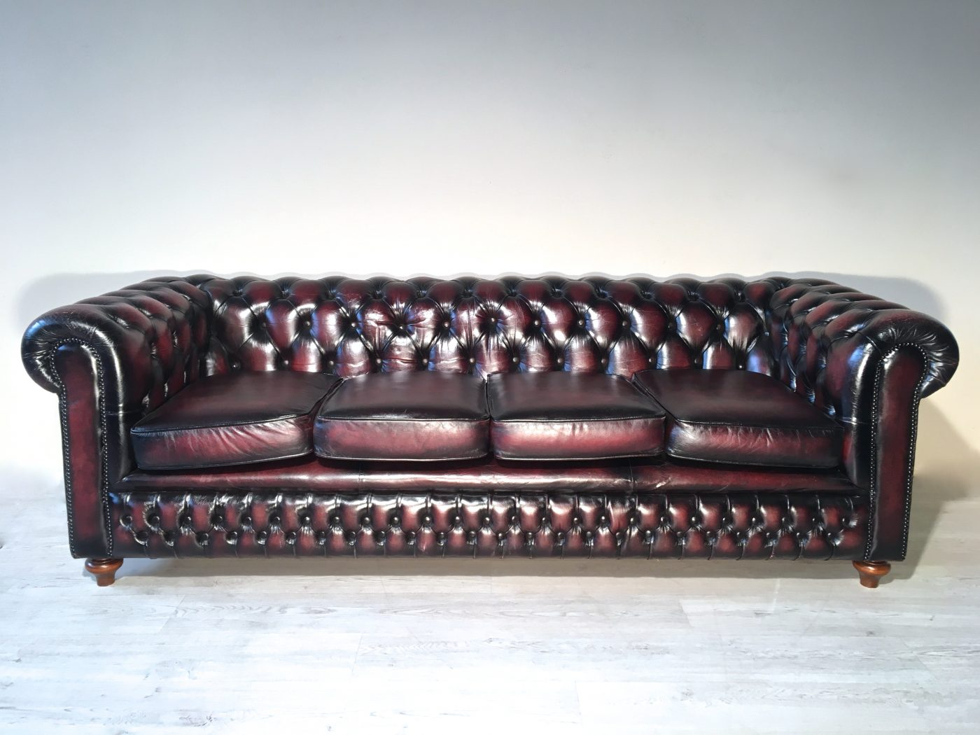 divano chesterfield originale inglese in pelle