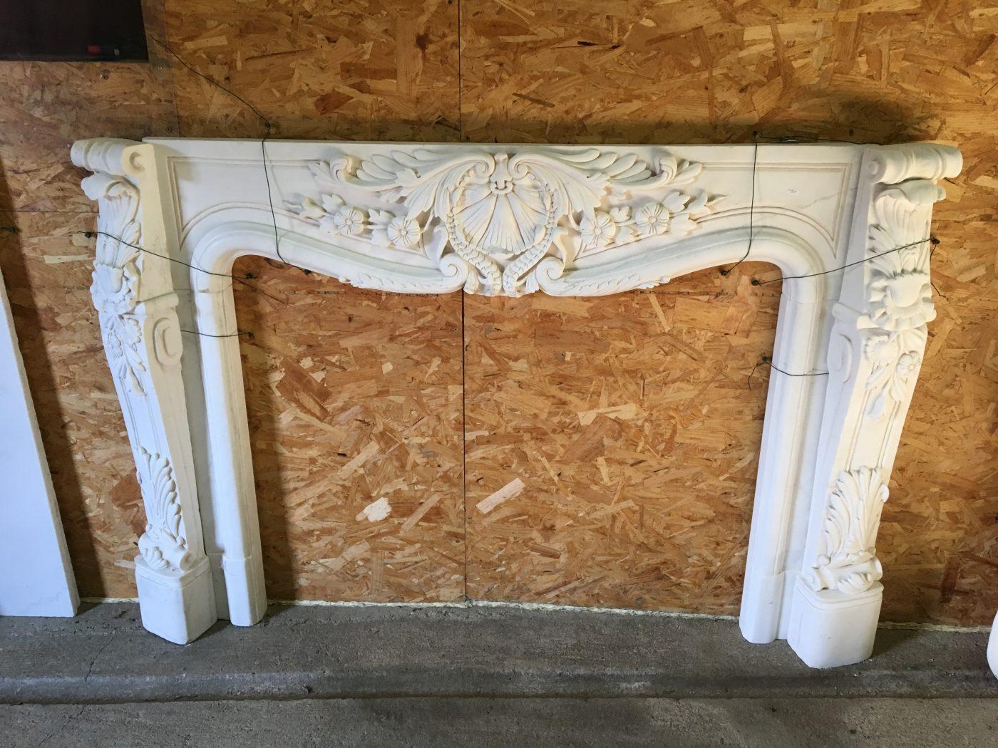 Camino originale in marmo bianco • Antiquariato, Antiquariato da ...