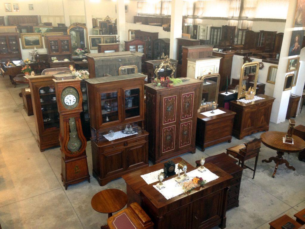 Chiaramonte renzo mobili in stile antiquariato e - Mobili di antiquariato ...