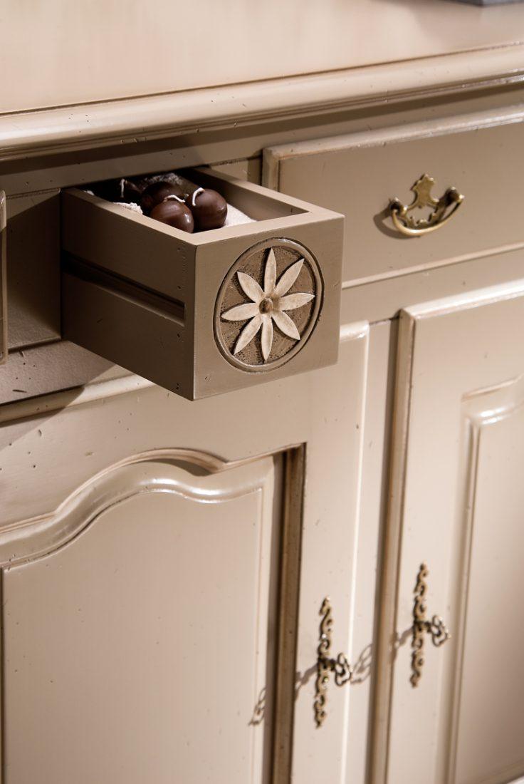 Credenza 3 ante e 3 cassetti mobili in stile linea la - La maison mobili ...