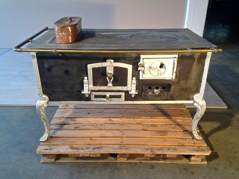 E723 stufa a legna originale in ferro e ghisa for Stufa a legna in ghisa usata