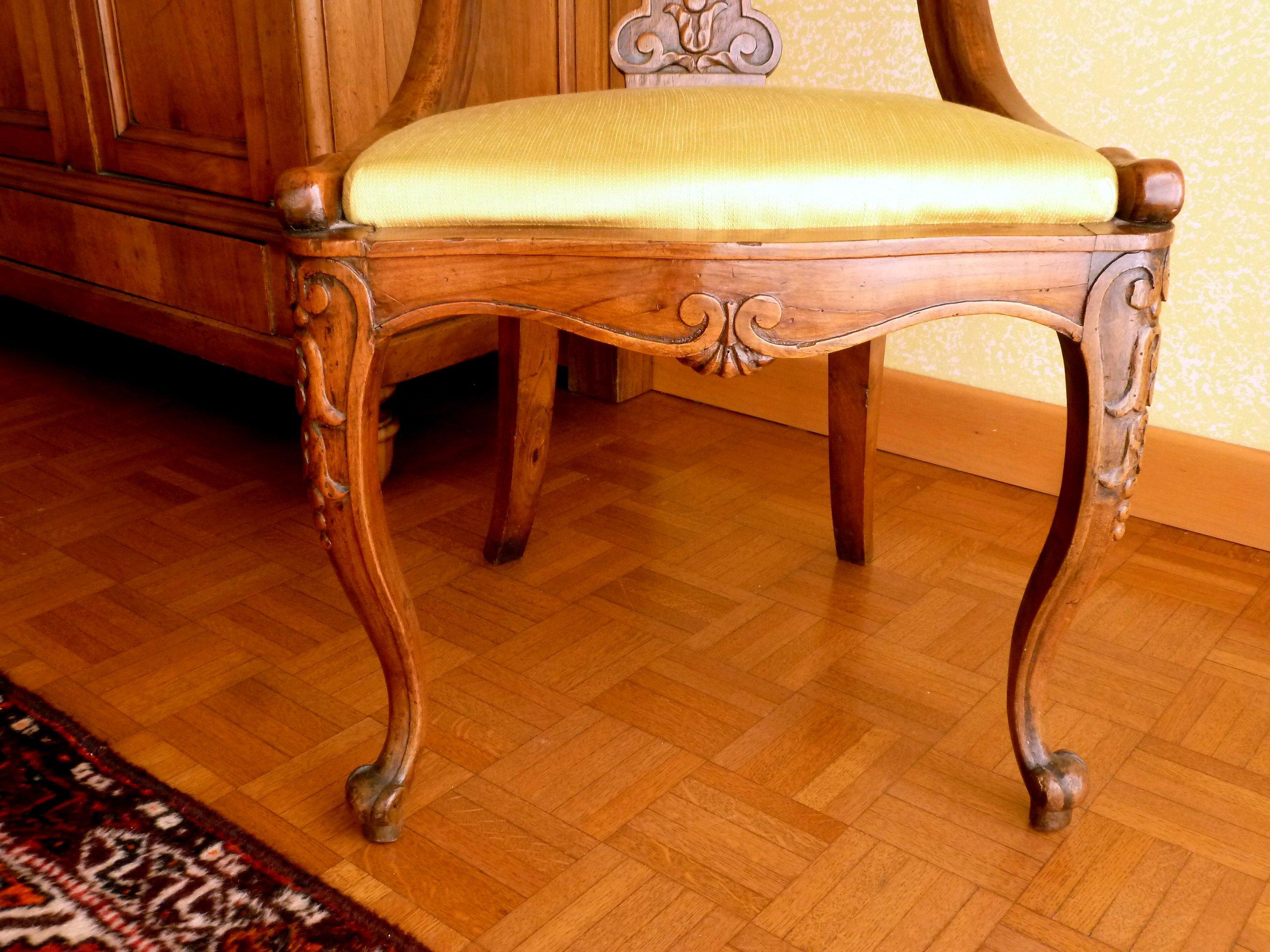 Set 8 sedie originali in noce antiquariato antiquariato for Sedie originali