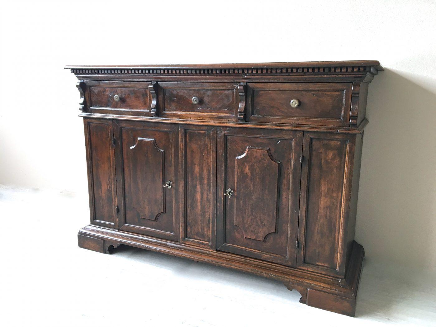 Credenza Con Alzata Antica : Credenza in noce costruita con materiale antico u mobili stile