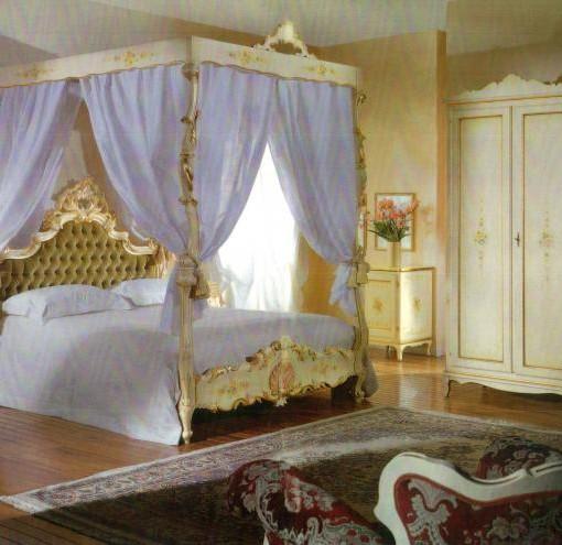 Letto a baldacchino barocco laccato stile veneziano - Letto stile veneziano ...