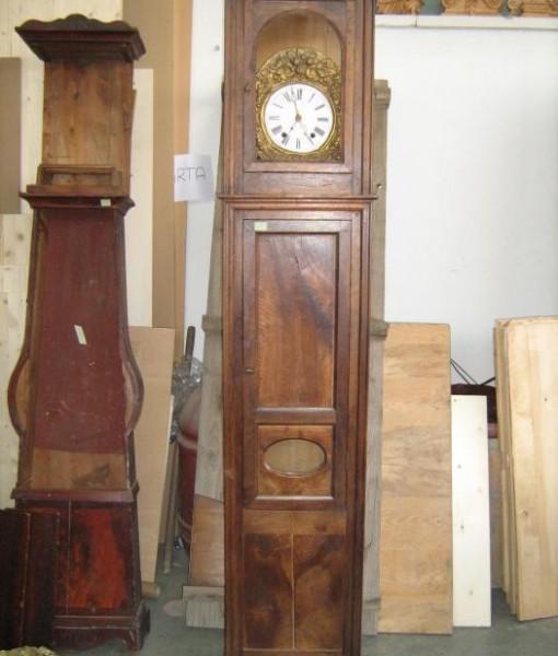 Orologio a colonna originale in noce