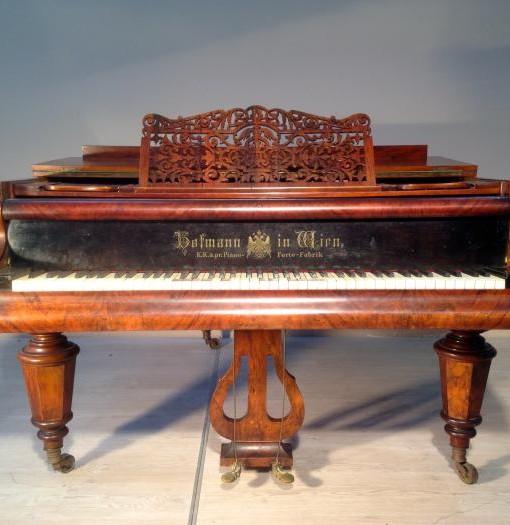 E654 Pianoforte a coda in noce originale Karl Hofmann