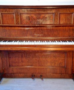 Pianoforte originale Steinmayer in piuma di noce