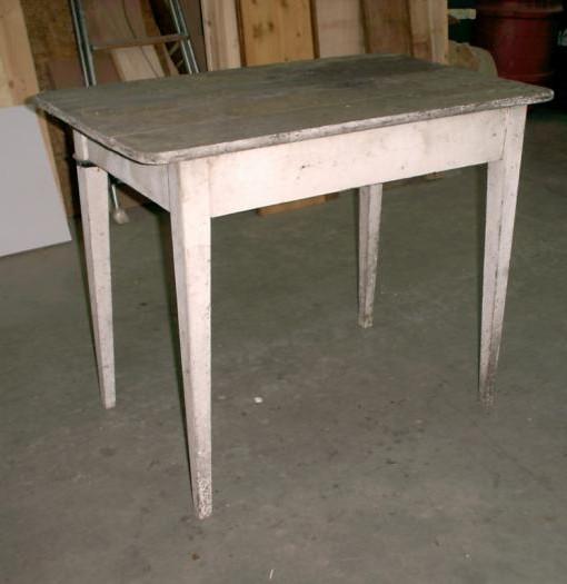 Tavolino originale in abete